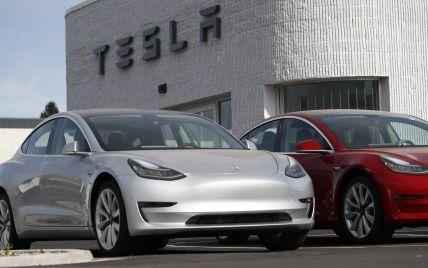 Tesla збільшить кліренс одного зі своїх електрокарів, щоб він міг їздити поганими дорогами