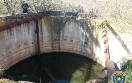 В Черкаській області до глибокого резервуару з водою впали дитина, собака і чоловік