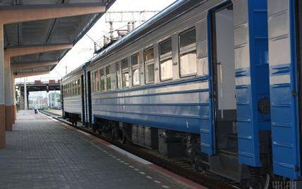 Из-за аварии на переезде в Полтавской области поезда до сих пор курсируют с задержками: когда будет восстановлено полноценное движение