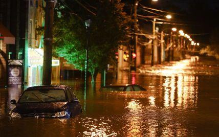 Количество погибших от наводнений в США растет десятками: розыски пропавших без вести продолжаются