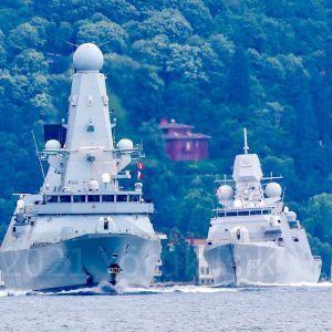 У Чорне море ввійшли два кораблі країн НАТО