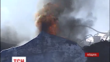 Пожарные контролируют уже половину территории нефтебазы, которая была охвачена пламенем