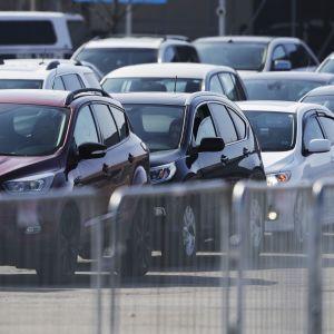 Ринок вживаних авто в червні зріс удвічі: які марки купували українці
