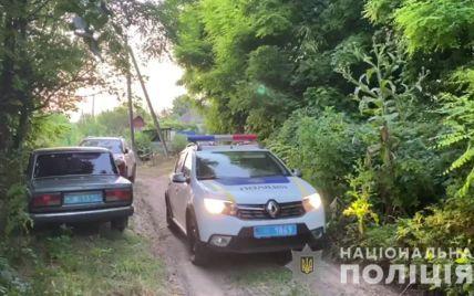 Ліз через паркан із сокирою: в Одеській області чоловік застрелив сусіда