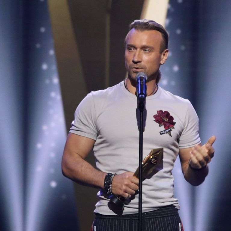 Олег Винник про смерть матері: Вона просила, щоб жоден концерт у своєму житті я не скасовував