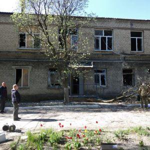 В больнице в Донецкой области, которую обстреляли боевики, умер пациент с COVID-19: эксклюзивные подробности и фото с места инцидента