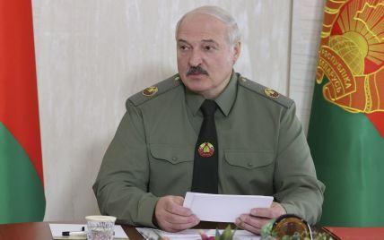 """Лукашенко разрешил применять армию против митингующих и вводить режим ЧС во время """"массовых беспорядков"""""""