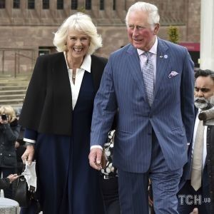 Не змогла стримати емоцій: герцогиню Корнуольську збентежив подарунок для принца Чарльза