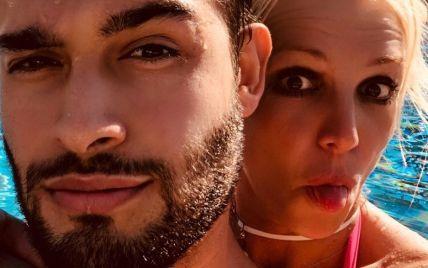 Брітні Спірс оголосила про заручини з бойфрендом: відео
