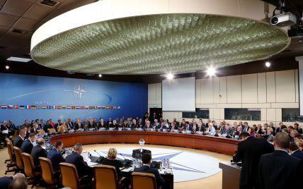 """""""Аспірант"""" НАТО: експерти наголошують, що ніякого статусу Україна не отримала"""