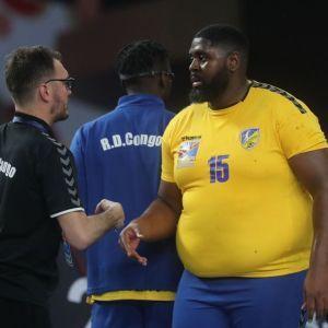 Король соцмереж: гандболіст вагою 130 кілограмів спричинив фурор на Чемпіонаті світу (відео)