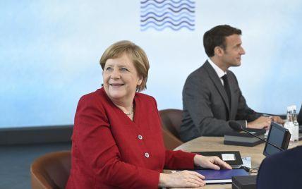 Макрон і Меркель досі не підтвердили, чи приїдуть на Кримську платформу