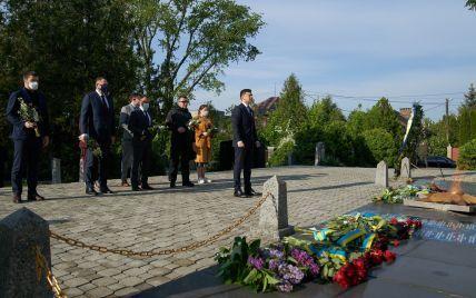 Зеленський звернувся до українців з нагоди 9 Травня і анонсував встановлення чотирьох символічних дзвонів
