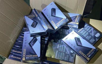Митники в Одесі виявили незадекларовані мобільні аксесуари на понад 10 млн грн
