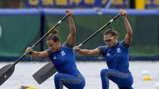 В Украину вернулись призеры Олимпиады-2020 из артистического плавания и гребли на каноэ