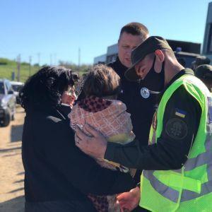 Про дівчинку, яку на Одещині шукали сотні правоохоронців, батьки просто забули під час застілля