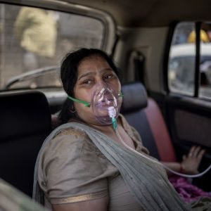 ВОЗ заявила, что COVID-штамм из Индии добрался до 80 стран и продолжает мутировать