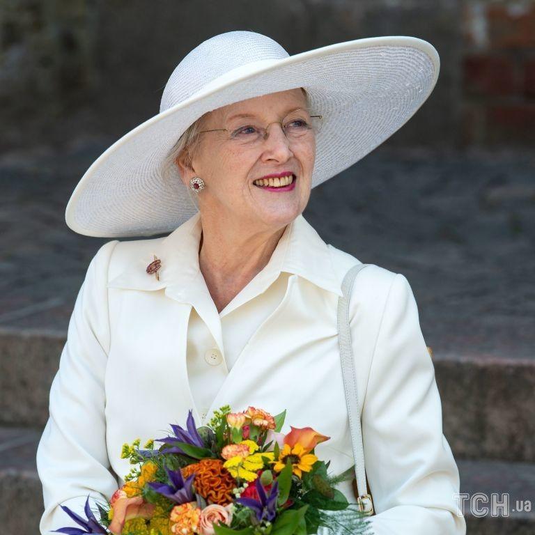 Яка елегантна: королева Данії Маргрете II зустрілася з президентом Німеччини і його дружиною