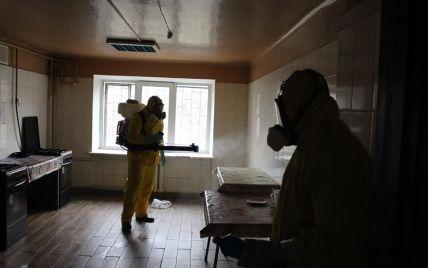 """В гуртожитку в Українці росте кількість інфікованих коронавірусом, а перша із захворілих """"зникла"""""""