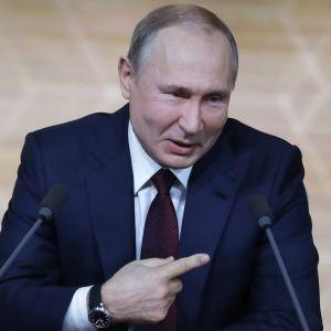 """Путін прокоментував """"газовий"""" борг РФ перед Україною та перемовини щодо транзиту"""