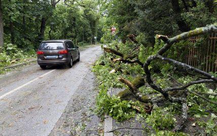 Хорватией пронесся сильный шторм: без кровли остались церковь и школа