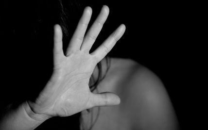 Под Полтавой 20-летний парень изнасиловал свою несовершеннолетнюю родственницу