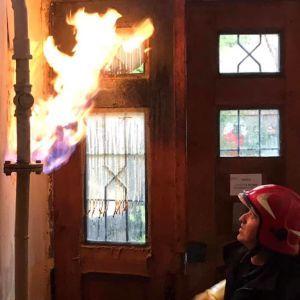 Во Львове вспыхнула газовая труба в подъезде жилого дома: фото
