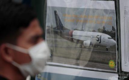 Велика хмарність і турбулентність: з'явилися нові деталі падіння Boeing 737 в Індонезії