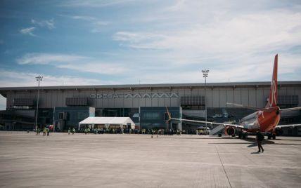 В аэропорту Одессы возник затор из самолетов: видео