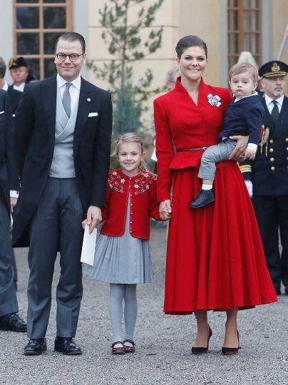Кронпринцесса Виктория и принц Даниэль с детьми / © Getty Images