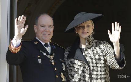 Виголені скроні і позашлюбні діти чоловіка: у княгині Шарлін були причини втекти з Монако