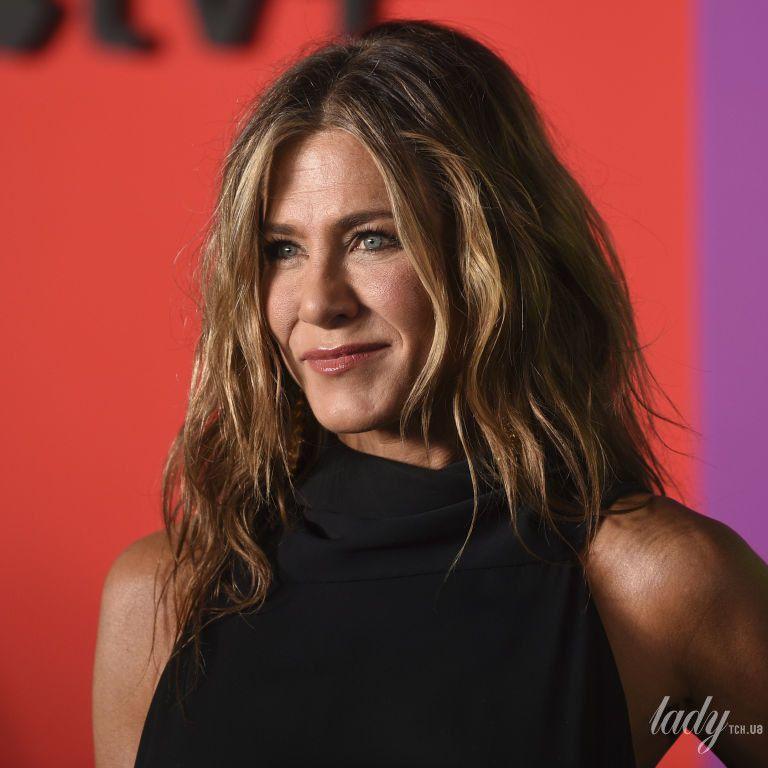 Не приховує радості: Дженніфер Еністон поділилася гарною новиною з шанувальниками