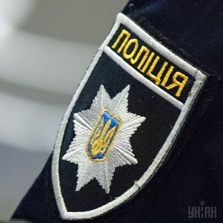 У Дніпрі через зауваження молодики побили та пограбували поліцейського - ЗМІ