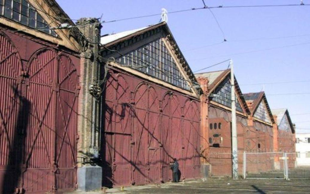 Место, где появился отель (2002 год) / © Укринформ