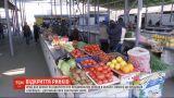 Столичні базари роботу так і не почали, бо чекають дозволу місцевої влади