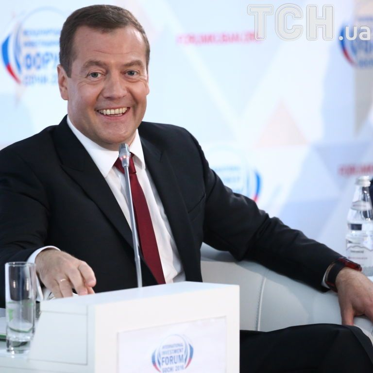 """Російський політтехнолог не виключає """"придатності"""" Медведєва до виборів президента РФ"""