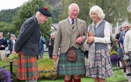 В день годовщины смерти Дианы: принц Чарльз и его жена Камилла с улыбками на лицах посетили мероприятие