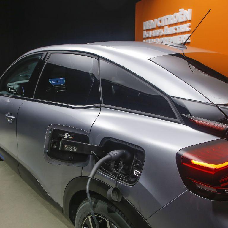 Отмена льгот на ввоз электромобилей в Украину: что это означает