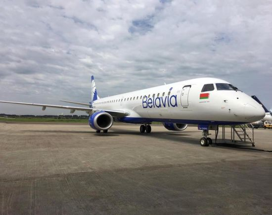 Белорусский самолет Belavia, которые следовал в Анталию и подал сигнал тревоги, приземлился в Москве: названа причина инцидента