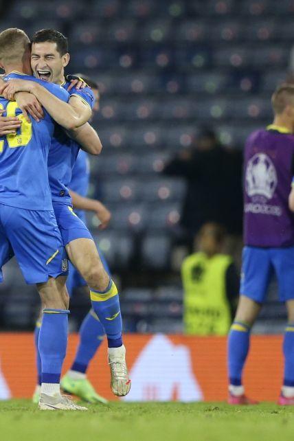 Кошмар с Эриксеном, волшебная Италия и выход Украины в 1/4 финала: чем запомнилось Евро-2020