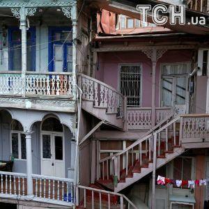 Город на перепутье: Reuters показал волшебную архитектуру старого Тбилиси