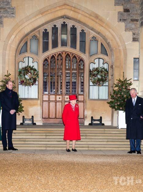 Кейт, Вільям, королева Єлизавета II, Чарльз, Камілла и принцеса Анна / © Getty Images