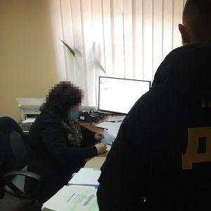 У Києві двоє ділків виготовляли фейкові довідки про негативний тест на коронавірус