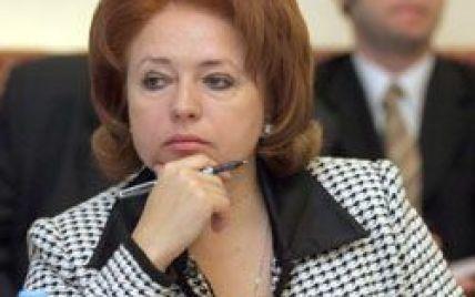Карпачова пішла до Азарова просити за Тимошенко