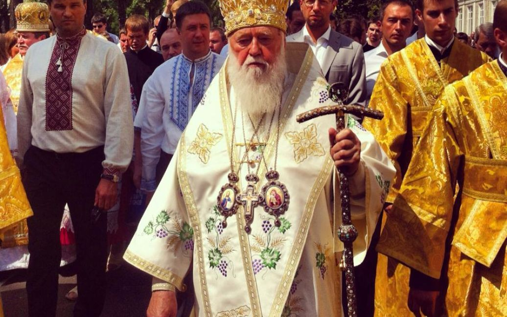 Очолює ходу патріарх УПЦ КП Філарет / © arkansasnews.com