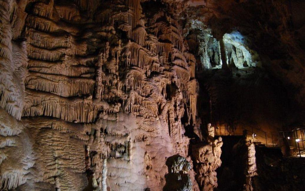 Пещера поражает своими размерами / © waking-up.org