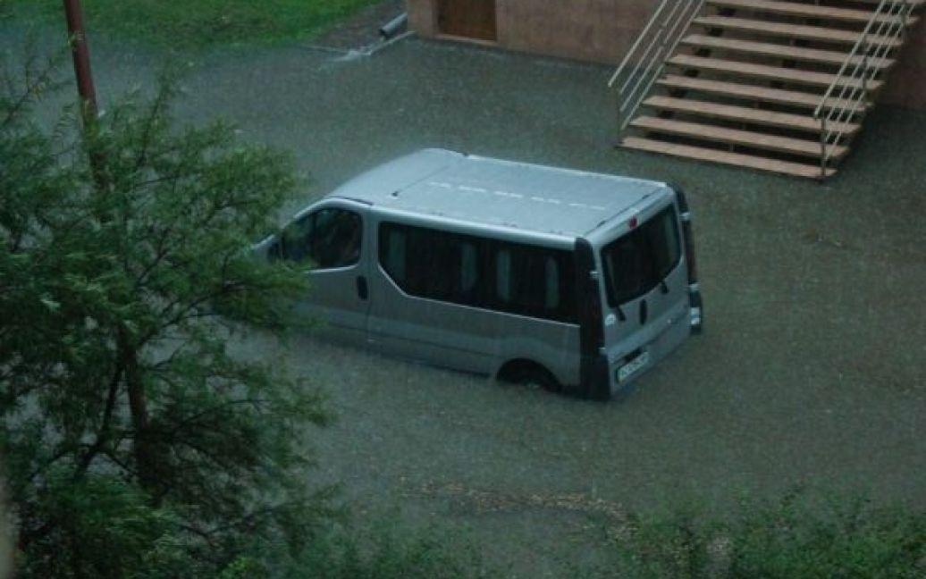 Луцьк сильна злива заливає / © http://nashigroshi.org/