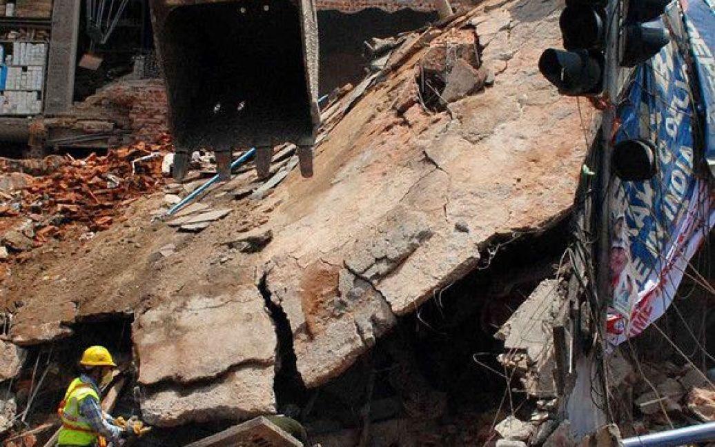 В Індії обвалився готель / © Фото EPA/UPG