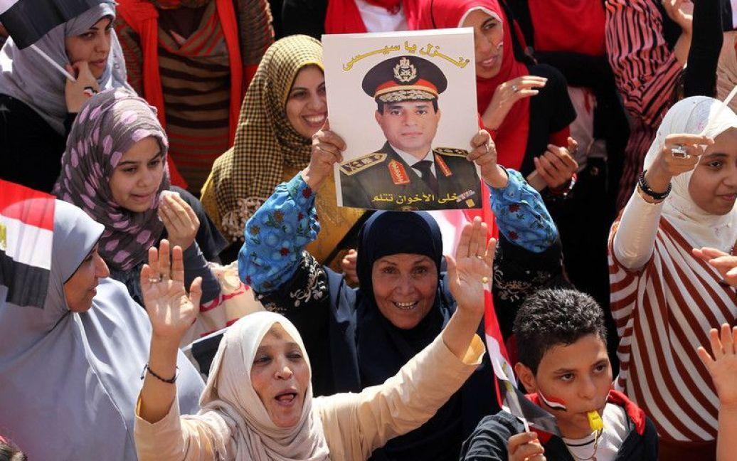 В Єгипті армія розстріляла прихильників Мурсі після п'ятничної молитви. / © Фото EPA/UPG