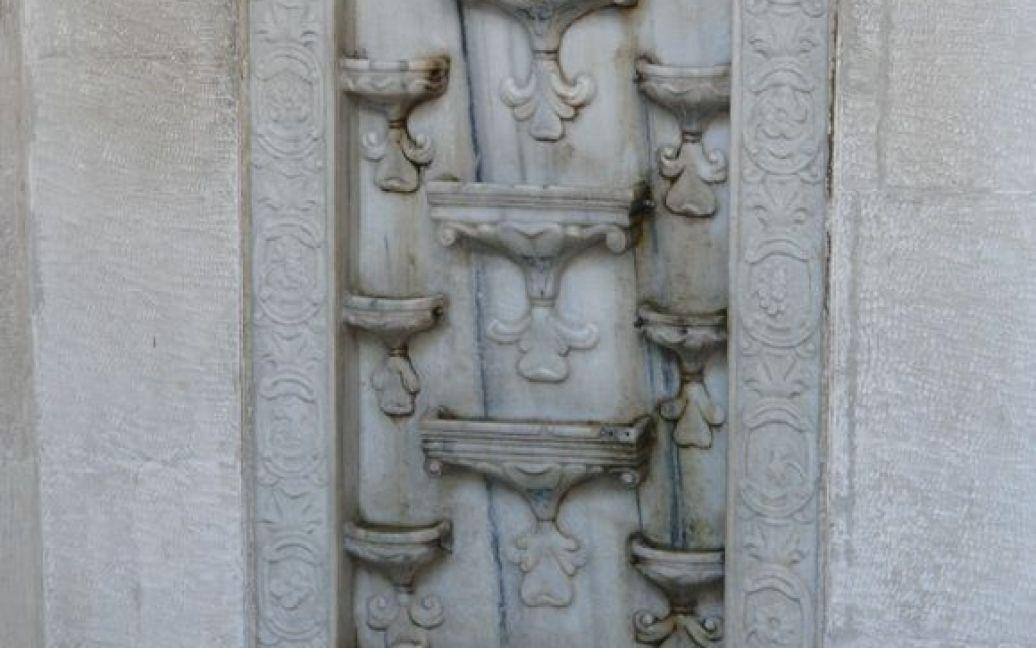 Фонтан слез - уникальный памятник Хан-Сарая / © archiportal.crimea.ua